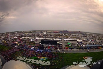 Overview of pre-race show