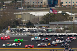 Trevor Bayne, Roush Fenway Ford and Justin Allgaier, Turner Motorsports Chevrolet lead the field