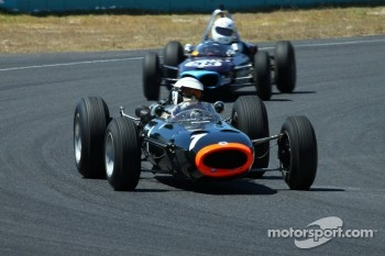 #1 Richard Attwood - BRM P261 F1 (1964) and #58 Richard Smeeton - Wainer Ford FJ