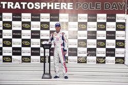Pole winner Kasey Kahne, Hendricks Motorsports Chevrolet