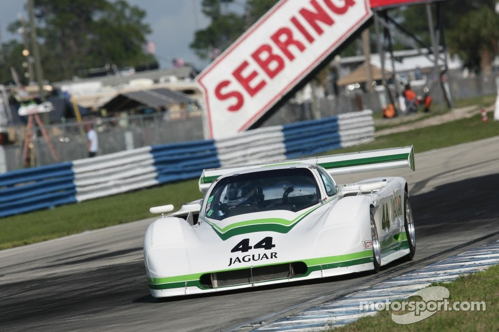 #44 Jaguar XJR-7: Doug Smith