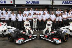 Sauber team photo with Kamui Kobayashi, Sauber F1 Team, Sergio Perez, Sauber F1 Team and Peter Sauber, Sauber F1 Team, Team Principal