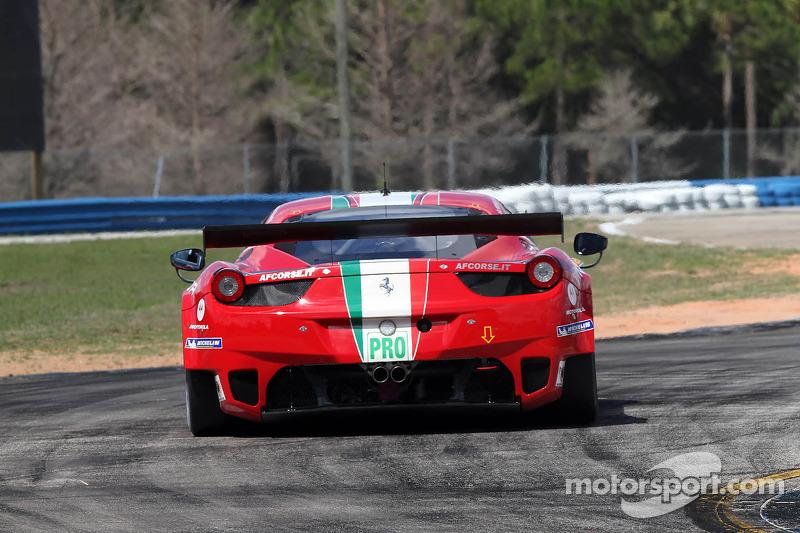 #71 AF Corse Ferrari F458 Italia: Andrea Bertolini, Olivier Beretta, Marco Cioci