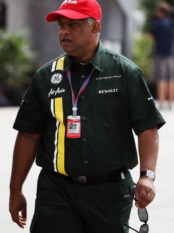 Tony Fernandes, Caterham Team Principal