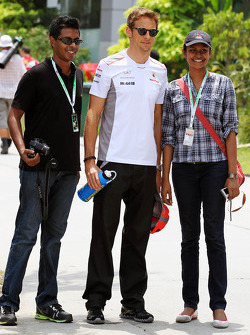 Jenson Button, McLaren poses for a photo with fans