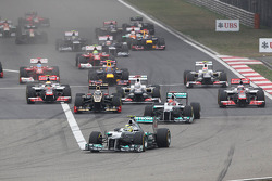 Nico Rosberg, Mercedes AMG F1 leads at the start of the race