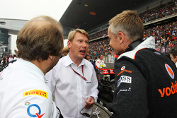 Robert Fearnley, Sahara Force India F1 Team with Mika Hakkinen, and Martin Whitmarsh, McLaren Chief Executive Officer