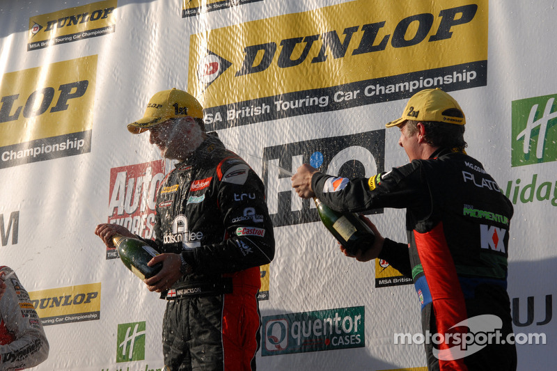 Jason Plato, MG KX Momentum sprays Mat Jackson on the Podium