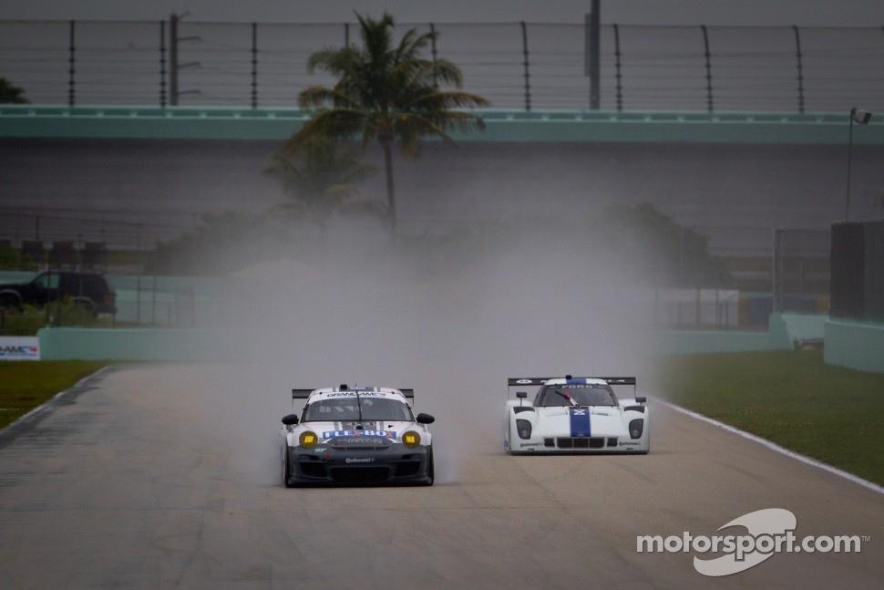 #44 Magnus Racing Porsche GT3: Andy Lally, John Potter,#8 Starworks Motorsport Ford Riley: Ryan Dalziel, Enzo Potolicchio