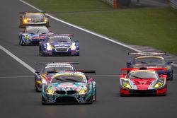 #0 GSR&Studie with Team Ukyo BMW Z4 GT3: Nobuteru Taniguchi, Tatsuya Kataoka passes #43 Autobacs Racing Team Aguri ARTA Garaiya: Shinichi Takagi, Kosuke Matsuura