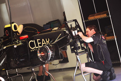 Lotus E20 of Kimi Raikkonen, Lotus F1 Team worked on