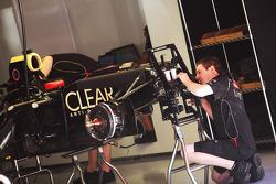 Lotus E20 of Kimi Raikkonen, Lotus F1 Team worked on
