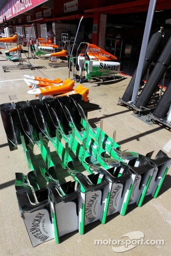 Sahara Force India F1 VJM05 front wing parts