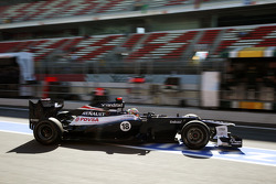 Pastor Maldonado, Williams leaves the pits