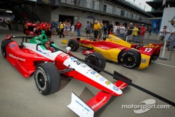 Cars of Michel Jourdain, Rahal Letterman Lanigan Honda and Sebastian Saavedra, AFS Racing/Andretti Autosport Chevrolet
