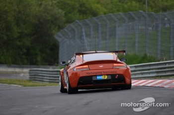 #85 Aston Martin Test Centre: Aston Martin Vantage GT4: Jürgen Stumpf, Robert Thomson, Mal Rose