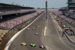 Ryan Briscoe, Team Penske Chevrolet leads the field during pace laps