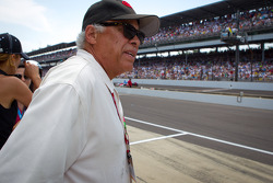 INDYCAR: Don Prudhomme watches the end of the race