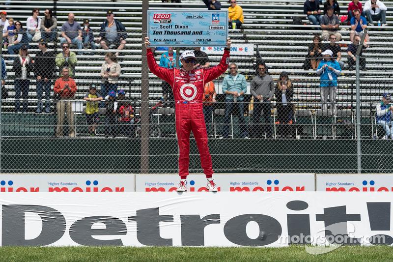 Scott Dixon, Target Chip Ganassi Honda celebrates pole position