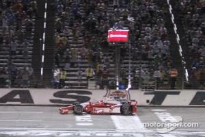 Justin Wilson, Dale Coyne Racing Honda takes the win