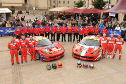 #71 AF Corse Ferrari 458 Italia: Andrea Bertolini, Olivier Beretta, Marco Cioci, #61 AF Corse-Waltrip Ferrari F458 Italia: Robert Kauffman, Rui Aguas, Brian Vickers