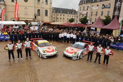 #79 Flying Lizard Motorsports Porsche 911 RSR: Seth Neiman, Darren Law, Spencer Pumpelly, #80 Flying Lizard Motorsports Porsche 911 RSR: Jörg Bergmeister, Patrick Long, Marco Holzer