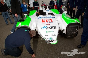 #16 Pescarolo Team Pescarolo 03 Judd damaged after an accident during practice