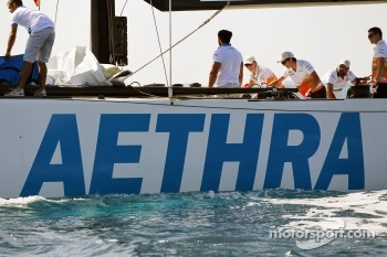 Nico Hulkenberg, Sahara Force India F1; Jules Bianchi, Sahara Force India F1 Team Third Driver and Paul di Resta, Sahara Force India F1 on the Aethra America's Cup Boat