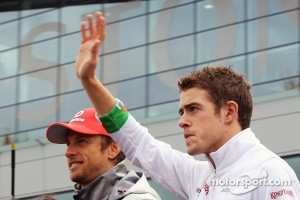Jenson Button, McLaren and Paul di Resta, Sahara Force India F1 on the drivers parade