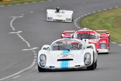 #9 Porsche 910: Rainier Becker, David Clark