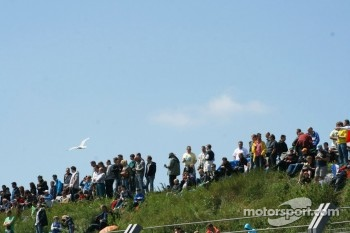 Crowds in the dunes