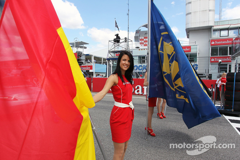 Grid girl on the grid