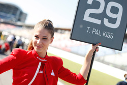 Grid Girl of Tamas Pal Kiss