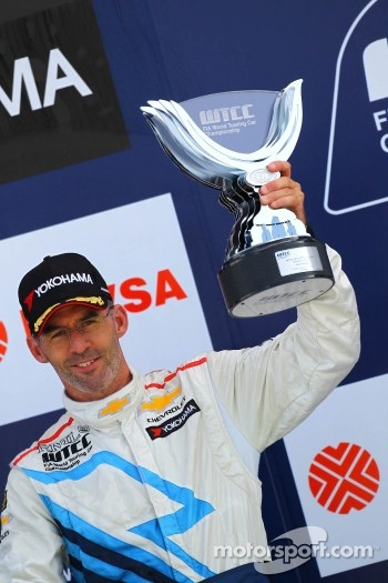 Podium: third place Alain Menu, Chevrolet Cruze 1.6T, Chevrolet
