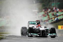 Michael Schumacher, Mercedes AMG F1 in the wet