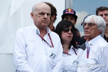 Bernie Ecclestone, drivers and key team personnel pay their respects to the Hungarian GP Promoter Tamas Frank, who died last month