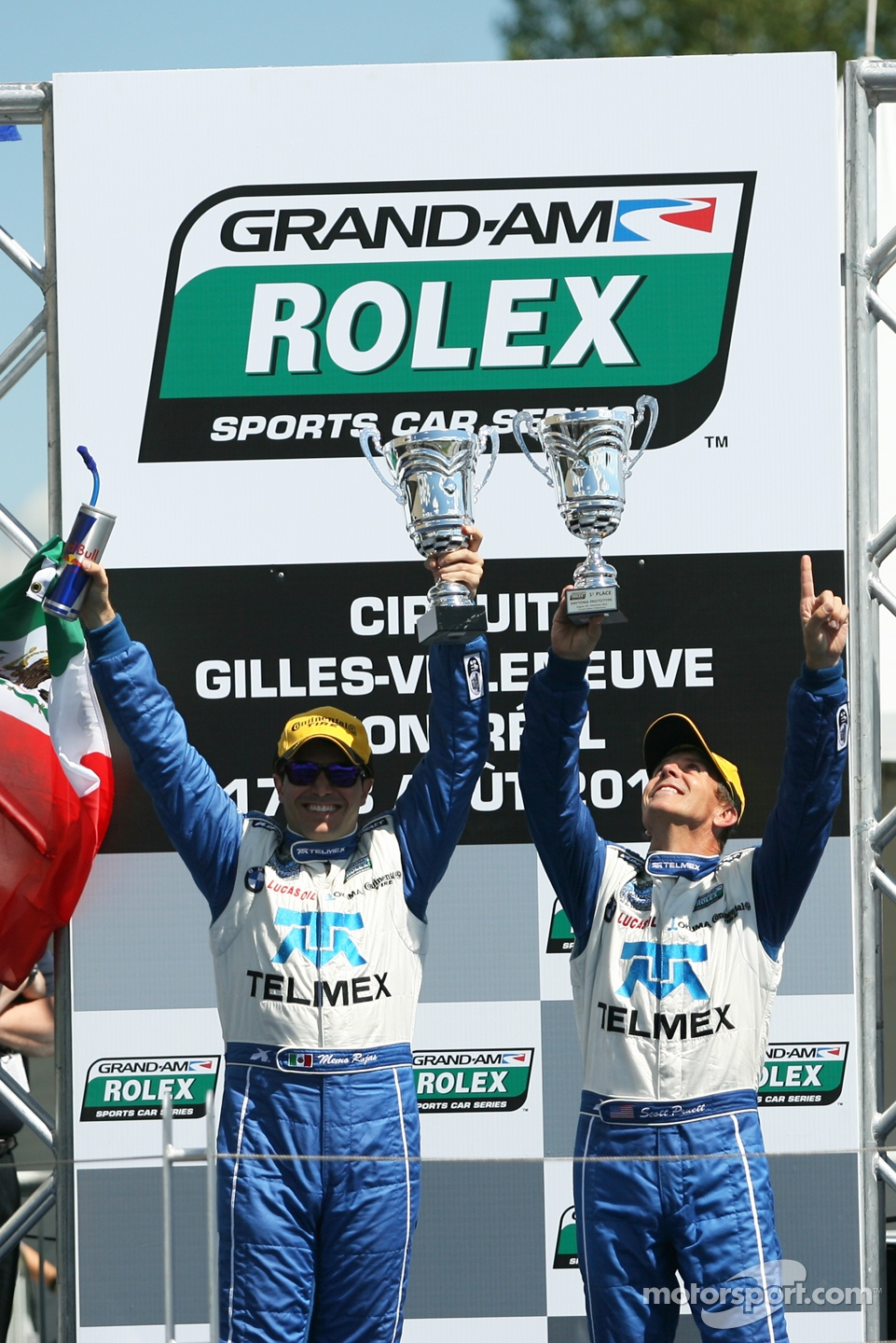 Podium: race winners Scott Pruett and Memo Rojas