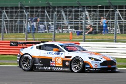 #98 Aston Martin RacingAston Martin Vantage V8: Roald Goethe, Stuart Hall