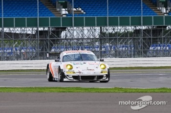 #55 JWA-Avila Porsche 997 GT3 RSR: Joel Camathias, Paul Daniels, Markus Palttala