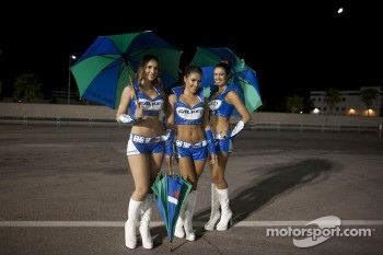 Lovely Falken girls