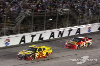 Sam Hornish Jr., Penske Racing Dodge,Jamie McMurray, Earnhardt Ganassi Racing Chevrolet