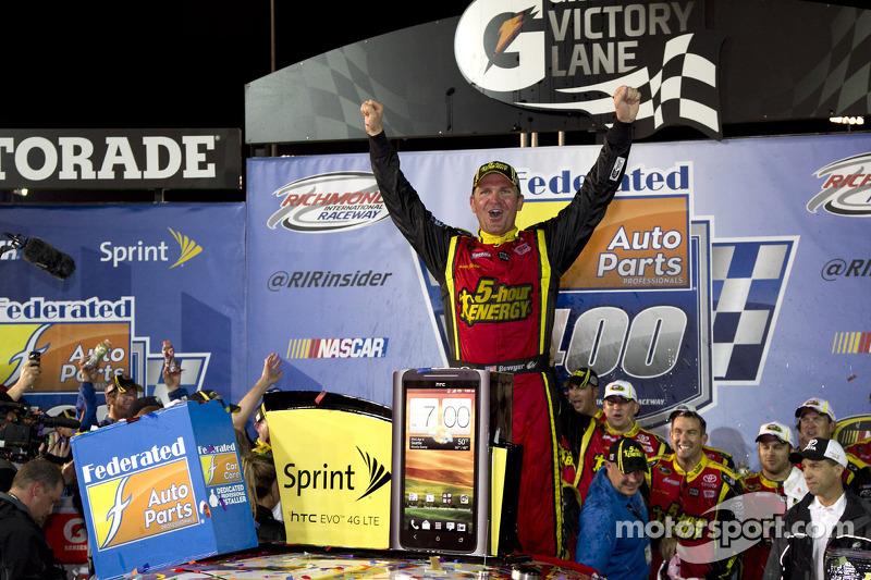 Victory lane: race winner Clint Bowyer, Michael Waltrip Racing Toyota