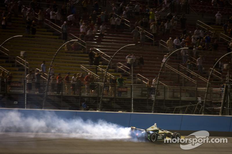 Race winner Ed Carpenter, Ed Carpenter Racing Chevrolet celebrates