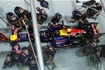 Sebastian Vettel, Red Bull Racing practices a pit stop