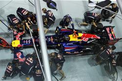 Sebastian Vettel, Red Bull Racing practices a pit stop