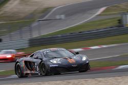 #88 Von Ryan Racing McLaren MP4-12C GT3: Jordan Klaus Grogor, Leon Price, Rob Barff
