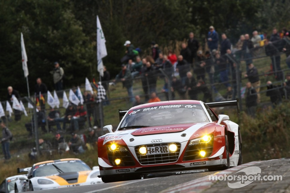 #5 Audi Sport Team Phoenix Audi R8 LMS ultra: Christer Jns, Luca Ludwig