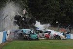 Crash for #10 Sunred Ford GT: Benjamin Lariche, Laurent Groppi