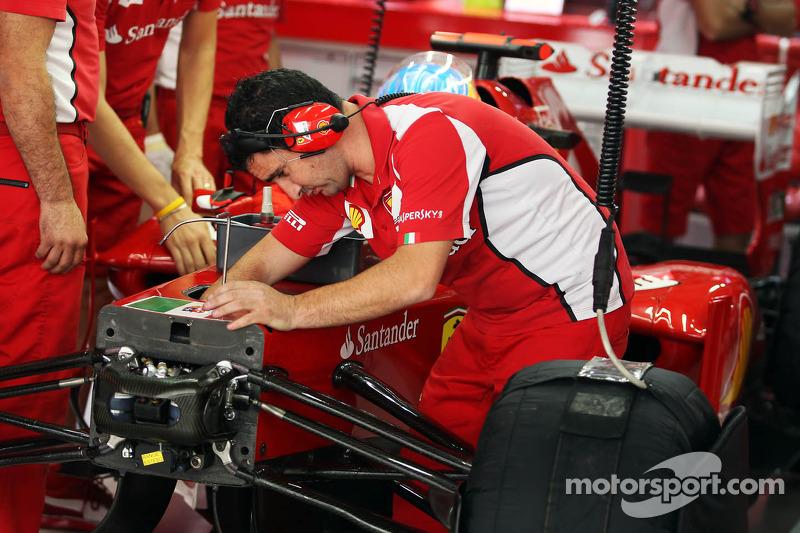 Mechanic works on the Ferrari F2012 of Fernando Alonso, Ferrari