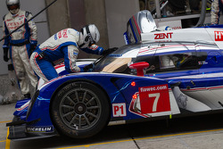 TS030 returning to pit lane to switch back to racing slick tires as weather in Shanghai changes